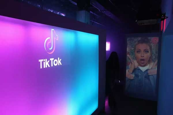 Musical.ly to Shut Down, Merges With TikTok